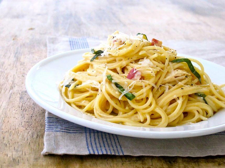 Špagete karbonare sa pečenom piletinom