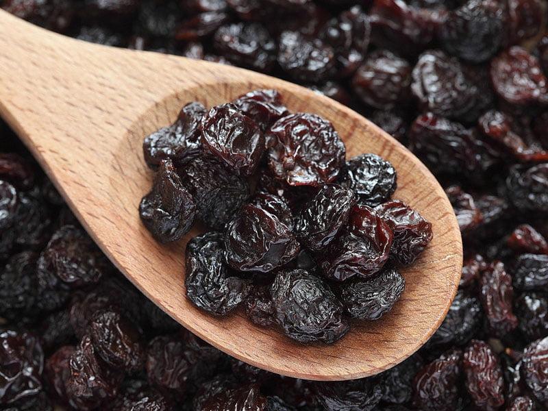 Štrudla sa makom, suvim grožđem i orasima