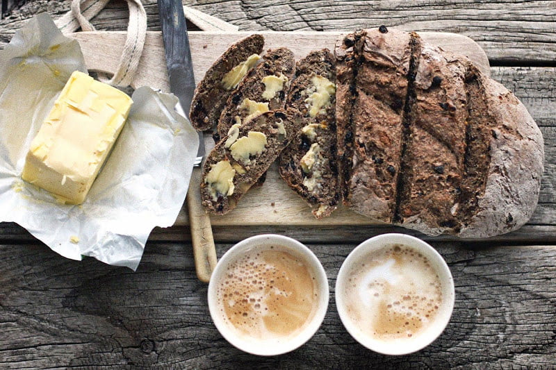 Walnut-and-Currant-Bread-11