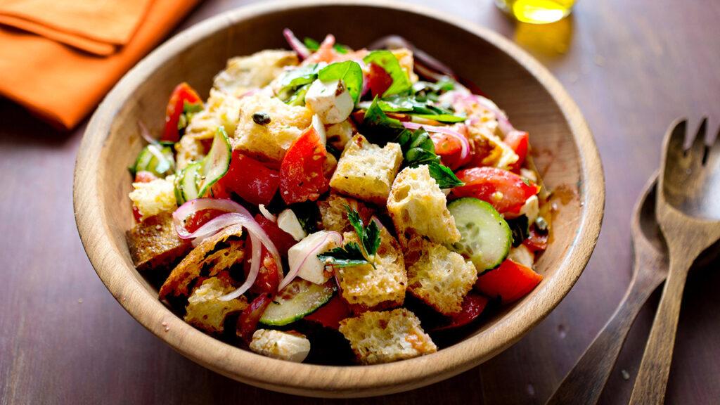 Panzanella salata